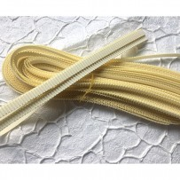 Korean corrugated strips for quilling, Vanilla (10 pieces)