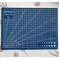Self-Healing Mat for cutting, format A4, Blue.